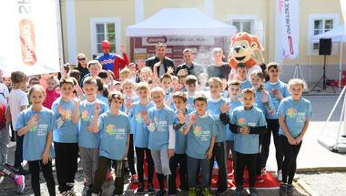 Tisuću bjelovarskih osnovnoškolaca na Korzu oduševili sportskim duhom